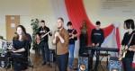 Szkolny zespół muzyczny - występ z okazji Dnia Kobiet