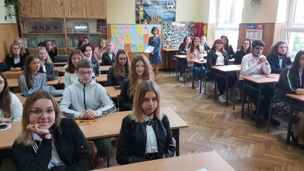 Na zdjęciu: Klasa 1d z wychowawcą, mgr Martą Głowacką